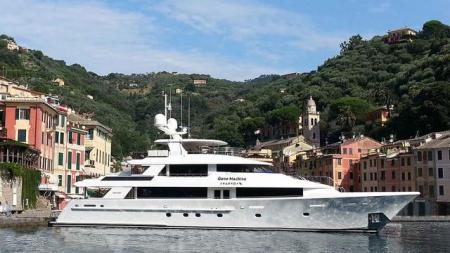 40 metre motor yacht Gene Machine Sold